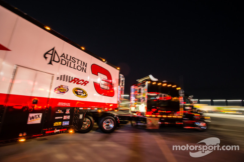 Hauler para Austin Dillon, Richard Childress Racing Chevrolet