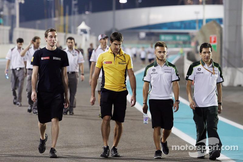 Will Stevens, Caterham F1 Team, cammina per il circuito