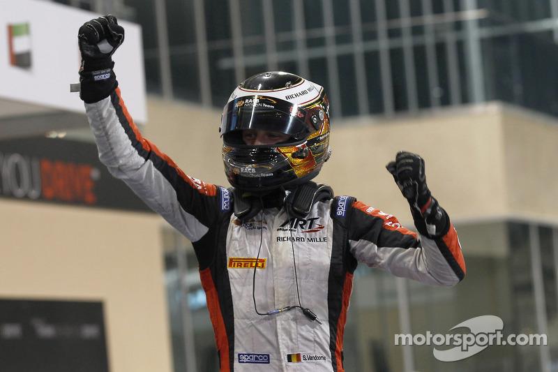 Race El ganador  Stdefel Vandoorne, ART Grand Prix