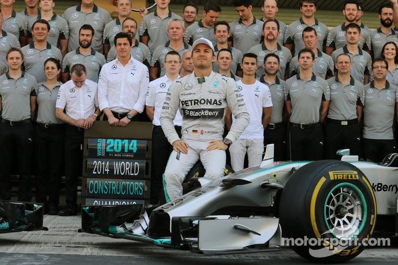Nico Rosberg, Mercedes AMG F1 en la foto del equipo