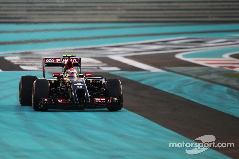 Pastor Maldonado, Lotus F1 E21 se abre demasiado en la salida de la Carrera