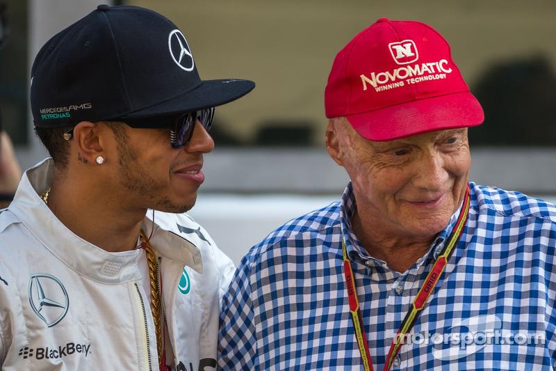 (L to R): Lewis Hamilton, Mercedes AMG F1 and Niki Lauda, Mercedes Non-Executive Chairman