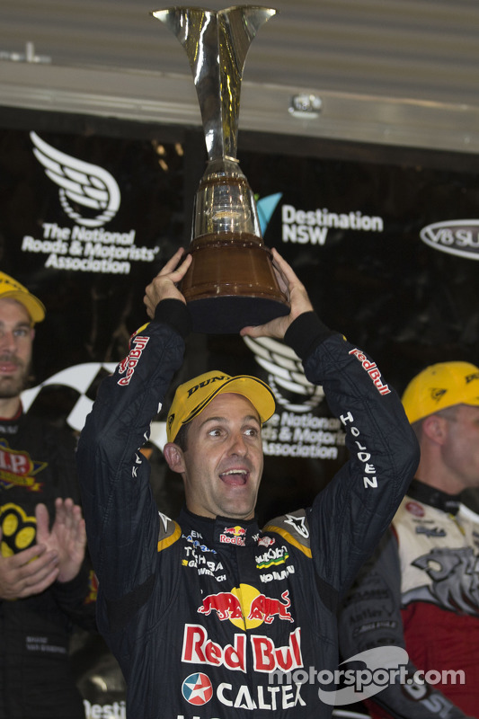 El campeón 2014 Jamie Whincup, Red Bull Holden