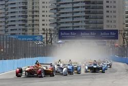 Start: Nelson Piquet Jr., China Racing leidt