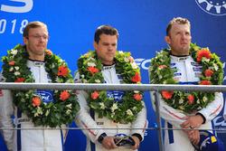 Podium du LMGTE Pro : les troisièmes, Joey Hand, Dirk Müller, Sébastien Bourdais, Ford Chip Ganassi Racing