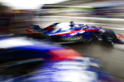 Pierre Gasly, Toro Rosso STR13 Honda. Andy Hone