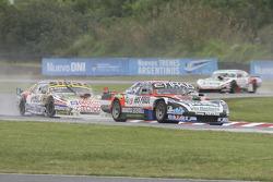 UR道奇车队的马蒂亚斯·罗德里格斯,科伊罗·多雷雪佛兰车队的莱昂内尔·佩尔尼亚