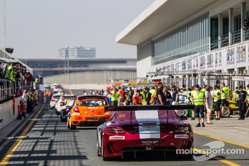 #30 Ram Racing, Mercedes SLS AMG GT3: Cheerag Arya, Thomas Jäger, Tom Onslow-Cole, Adam Christodoulo