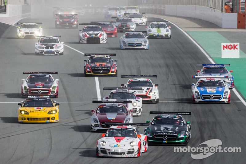 Start: #12 Fach Auto Tech Porsche 997 GT3 R: Otto Klohs, Martin Ragginger, Jens Richter, Sven Müller