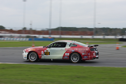 #10 Racers Edge Motorsports 野马Boss 302R: Ricardo Flores, Nick Galante