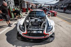 #28 KPM Racing, Aston Martin Vantage GT3