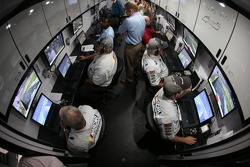 Los monitores que le dan enformación de los pits a los deiciales de NASauto