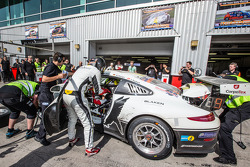 Boxenstopp für #25 Black Falcon, Porsche 991 Cup: Burkard Kaiser, Manuel Metzger, Christian Raubach