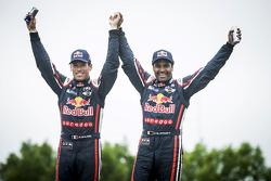 الفائز عن فئة السيارات # 301 ميني: ناصر العطية، ماثيو بوميل