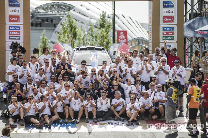 Auto-Podium: Peugeot Team