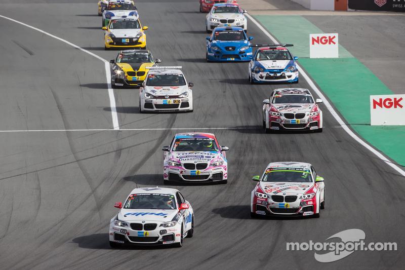 Pace lap: #74 MPB Racing Team BMW M235i Racing Cup: Matias Henkola, Stephan Kuhs, Bernhard Henzel, J