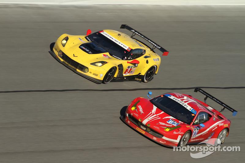 #3 Corvette Racing, Chevrolet Corvette C7.R: Jan Magnussen, Antonio Garcia, Ryan Briscoe und #63 Scu