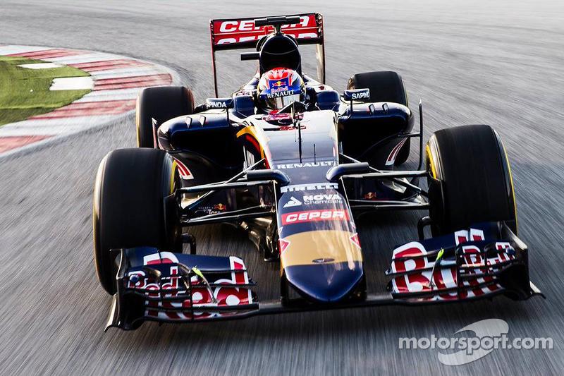 Макс Ферстаппен керує Toro Rosso STR10