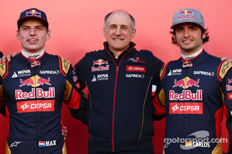(da sinistra a destra): Max Verstappen, Scuderia Toro Rosso con Franz Tost, Team Principal Scuderia