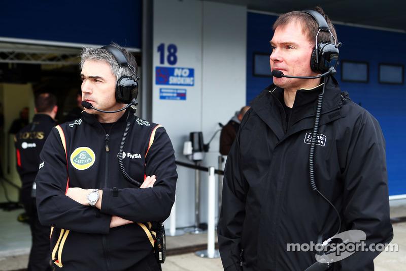 (da sinistra a destra): Nick Chester, Direttore Tecnico Lotus F1 con Alan Permane, Direttore delle o