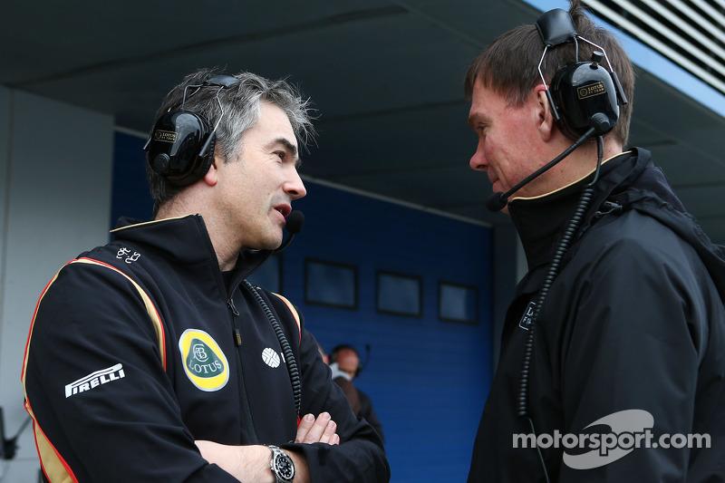 (da sinistra a destra): Nick Chester, Direttore Tecnico Lotus F1 con Alan Permane, Direttore delle operazioni in pista Lotus F1 Team