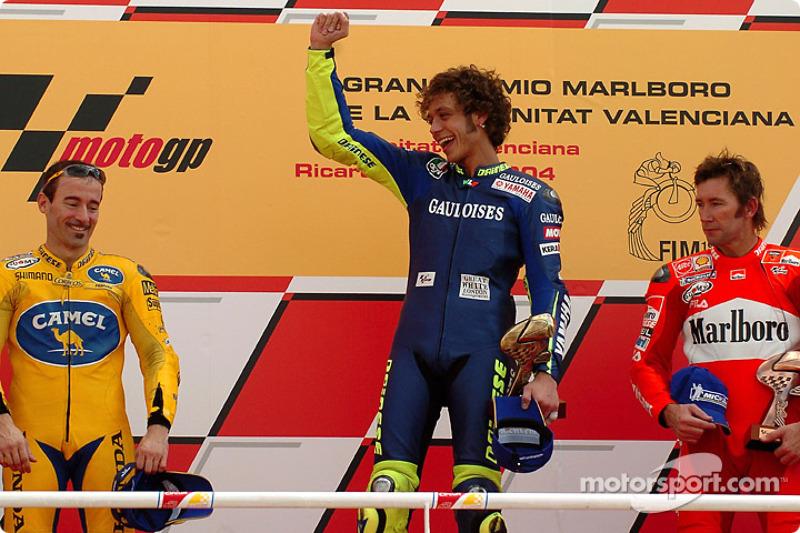 2004: 1. Valentino Rossi, 2. Max Biaggi, 3. Troy Bayliss