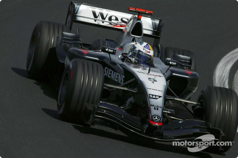 2004 : McLaren MP4-19B, à moteur Mercedes
