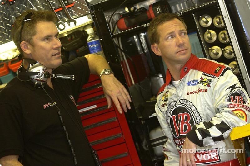 John Andretti avec son crew chief Dave Charpentier