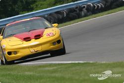 La Firebird n°45 Michael Baughman Racing : Darius Grala, Mike Yeakle, Peter Ludwig