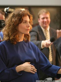 Elizabeth Mitchell as Teresa Earnhardt