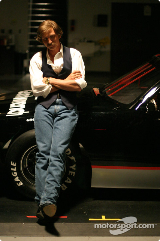 Barry Pepper joue Dale Earnhardt