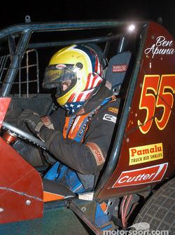 Mike Martin takes over Hawaii sprinter Ben Apuna's car
