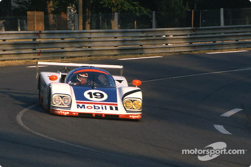 #19 Aston Martin Aston Martin AMR1: David Leslie, Ray Mallock, David Sears