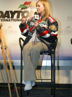 Press conference: American War Hero Jessica Lynch