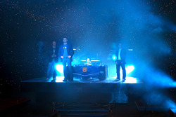 Red Bull Racing launch party: Vitantonio Liuzzi, David Coulthard and Christian Klien present pop singer Pink