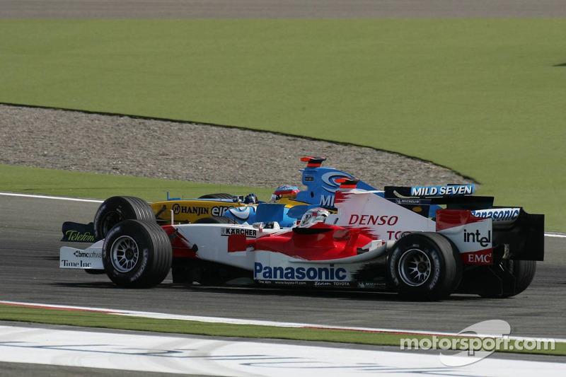 Inicio: Fernando Alonso y Jarno Trulli