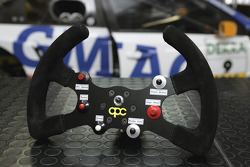 Steering wheel of the Opel Vectra GTS V8