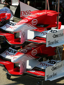 Front wing of the Toyota