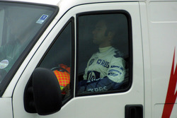 Antonio Pizzonia back in the emergency vehicle