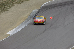 #42 Team Sahlen Porsche 996: Jim Bosler, Joe Nonnamaker, Joe Sahlen picks-up a cone