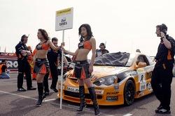 #8 Honda Integra of Dan Eaves on the grid before race 1