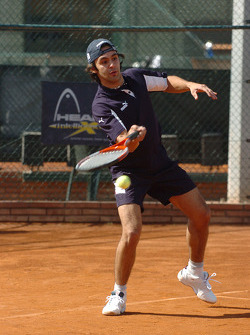 F1 Tennis Charity for the Northampton Intensive Care Unit at the Sanchez-Casal Open Tennis Academy: Antonio Pizzonia