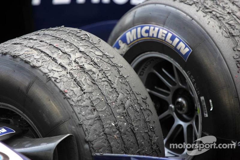 Desgaste del neumático en el Williams de Nick Heidfeld y Mark Webber