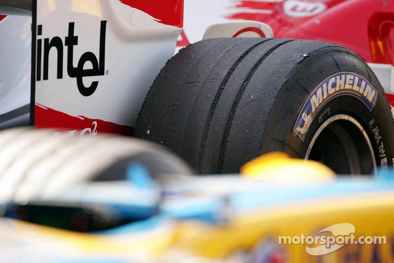 Desgaste del neumático de Toyota