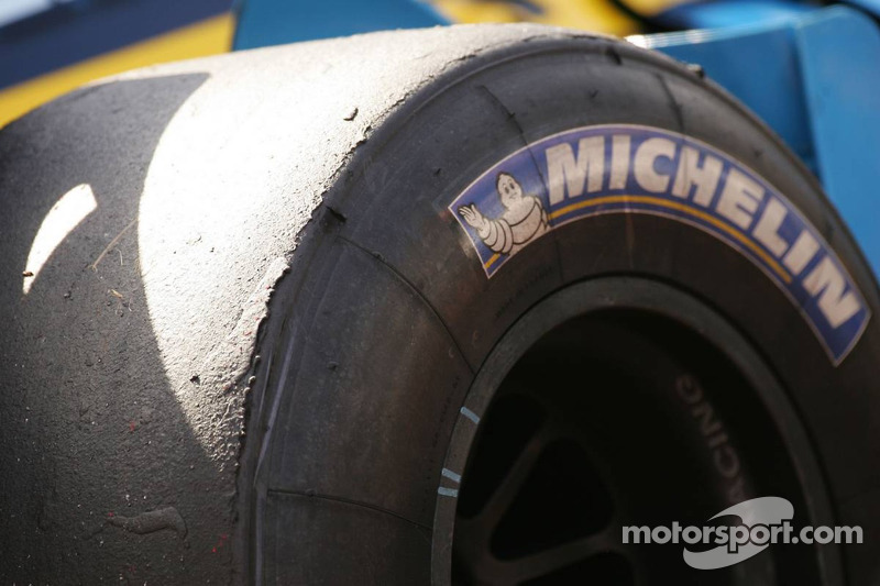 Tire wear on the Renault of Fernando Alonso