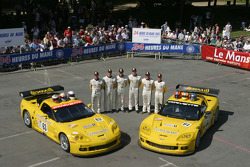 #63 Corvette Racing Corvette C6-R: Ron Fellows, Johnny O'Connell, Max Papis, #64 Corvette Racing Corvette C6-R: Olivier Gavin, Oliver Beretta, Jan Magnussen