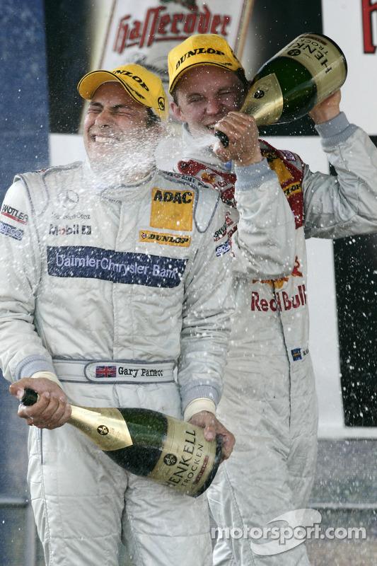 Podium : le vainqueur Gary Paffett avec Mattias Ekström