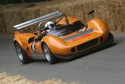 #79 1965 McLaren-Chevrolet M1B, class 8: Tommy Reid