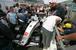 Fans have a look at the BAR-Honda