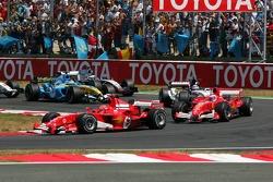 Primera vuelta: Michael Schumacher delante de Rubens Barrichello